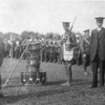 Redmond inspecting Irish volunteers 1914