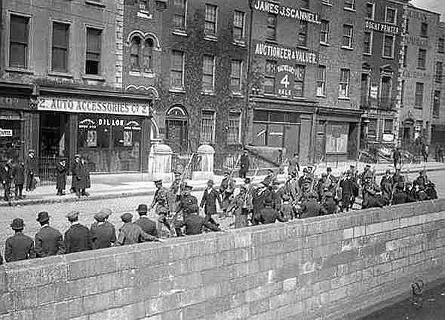 Irish Volunteers being marched off to Richmond Barracks 1916 up the north side of the Liffey which was the out bound route at the time.