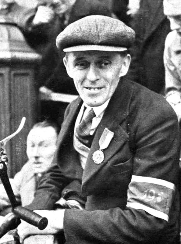 A proud 1916 veteran at the 25th anniversary of the Easter Rising in Dublin, 1941